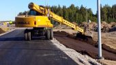 Gradall XL 4300 III Excavator Lifts and Carries Big Loads